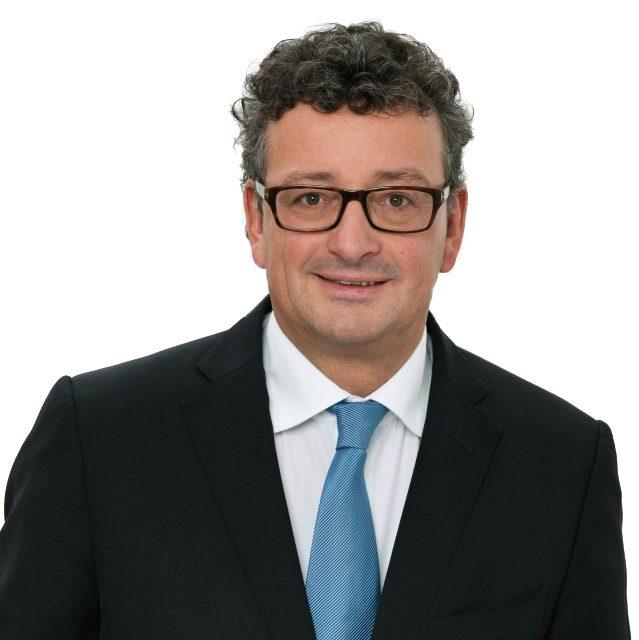 Rechtsanwalt und Notar Thomas Rösken
